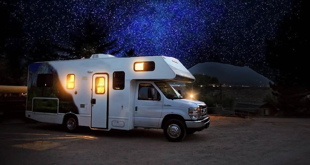 Boxs hivernage pour camping-car disponible à Champagné