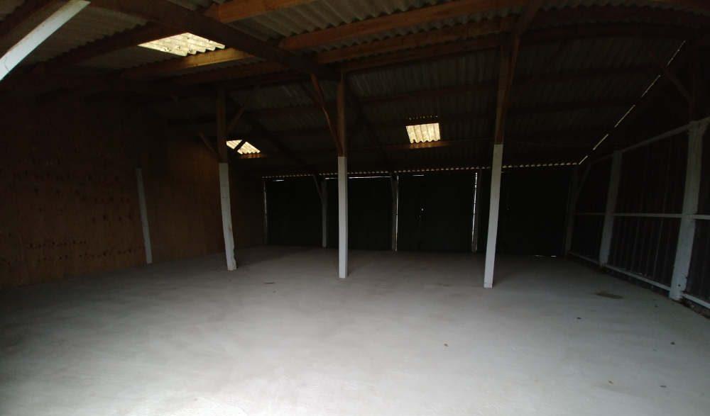 Boxes et hangars à louer au Mans